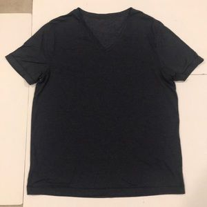 Mens dark blue v-neck tee shirt. MVL1